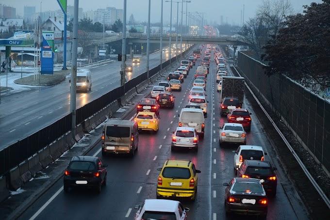 Káosz! Budapest elesett, torlódás és baleset több helyen