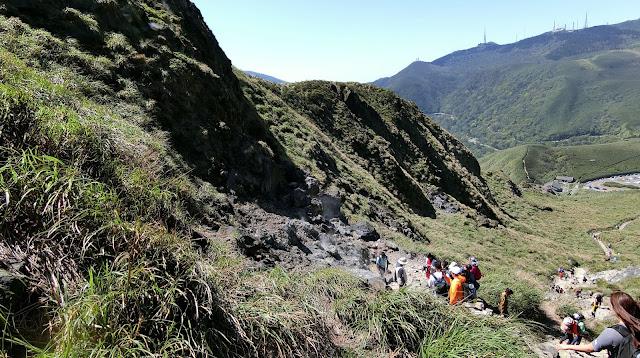 爬山|台北陽明山一日東西大縱走,11小時10座山頭挑戰未完成