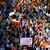 Χιλιάδες διαδηλωτές στους δρόμους της Βαρκελώνης υπέρ της ενότητας της Ισπανίας - ΦΩΤΟ