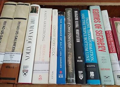 Koleksi buku Perpustakaan MSI. Dokpri