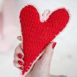 http://www.crochetyamigurumis.com/corazon-de-crochet/