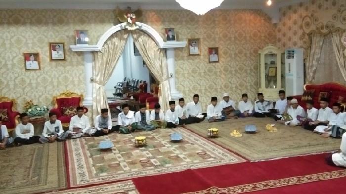 Santri di Sinjai Doakan 1 Tahun Kepemimpinan Andi Seto-Andi Kartini