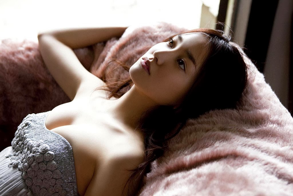 hot japanese gravure model natsuko nagaike 05