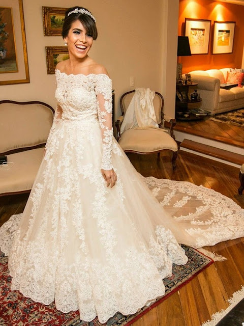 Fabulous A-line Scoop Neck Tulle Chapel Train Beading Long Sleeve Wedding Dresses