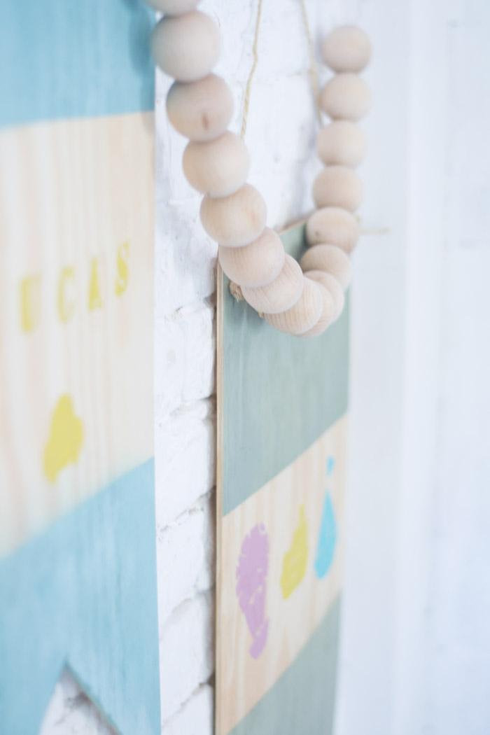 Banderín decorativo madera