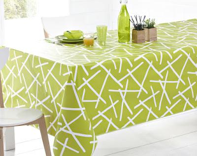 nappe de table verte avec motifs