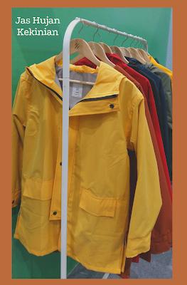 AME Raincoat hadir sebagai produk lokal dari Tokopedia