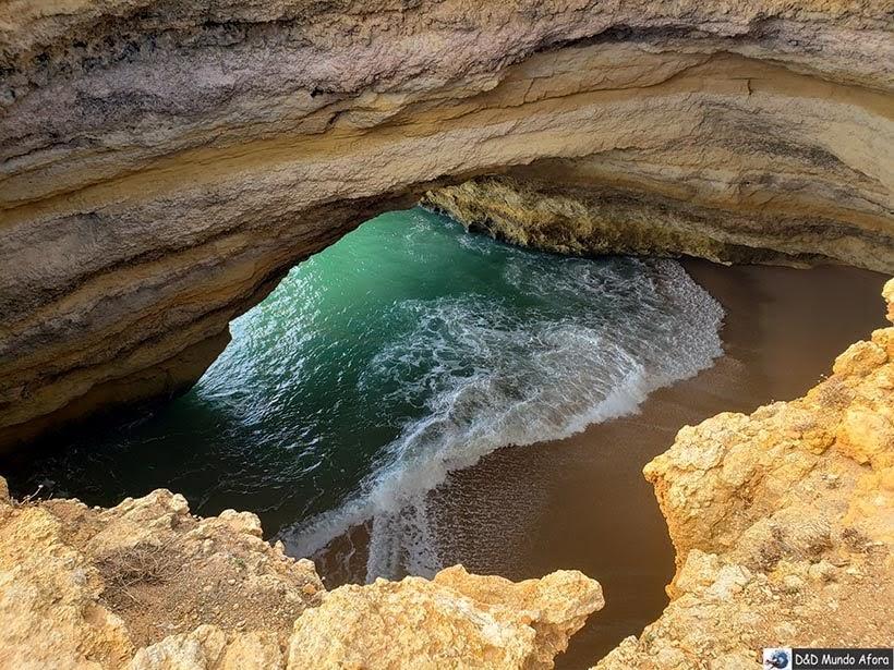 Gruta de Benagil no Algarve, Portugal