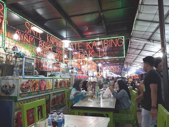 kuliner di Simpang Lima, Semarang
