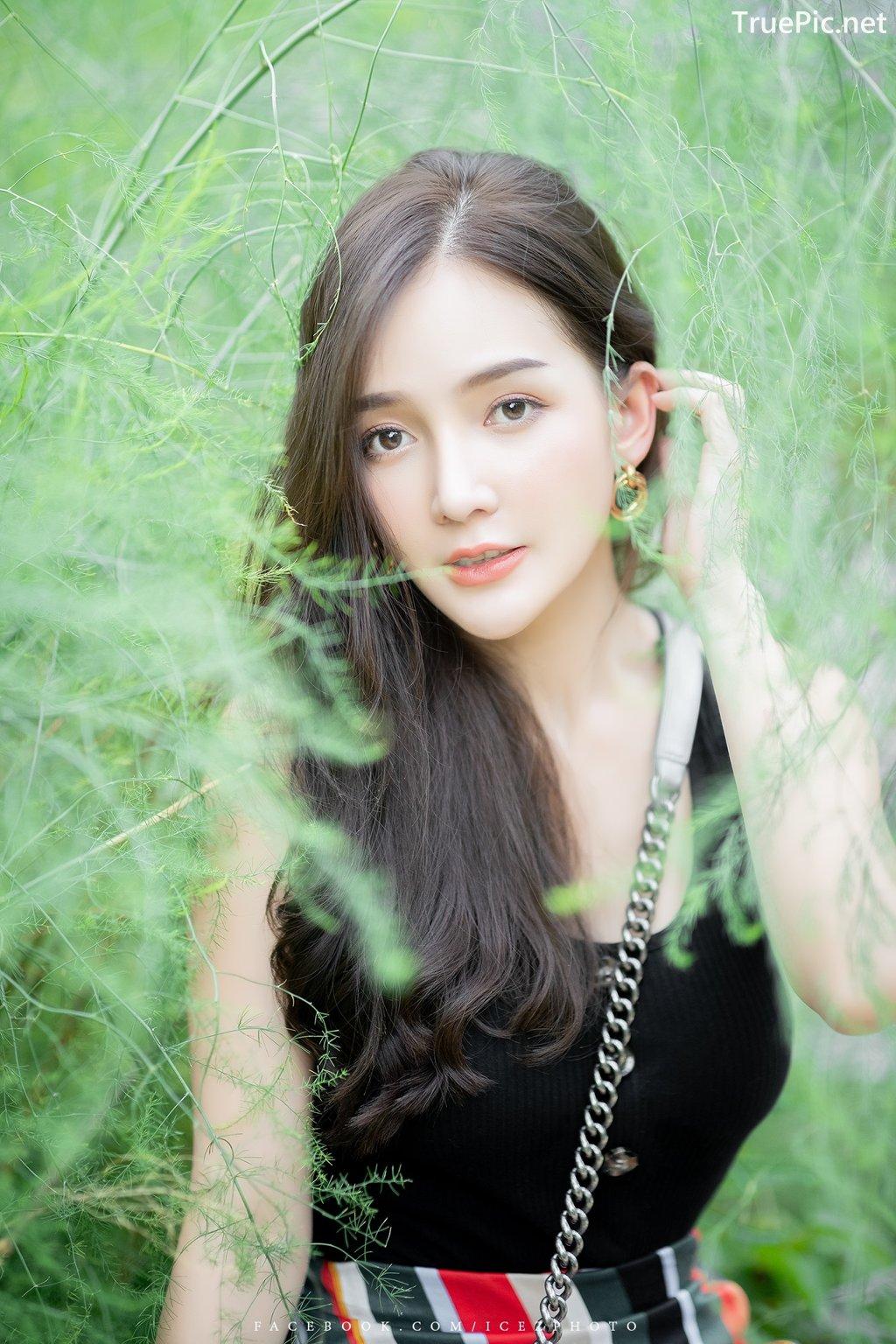 Image-Thailand-Model-Rossarin-Klinhom-Beautiful-Girl-Lost-In-The-Flower-Garden-TruePic.net- Picture-6