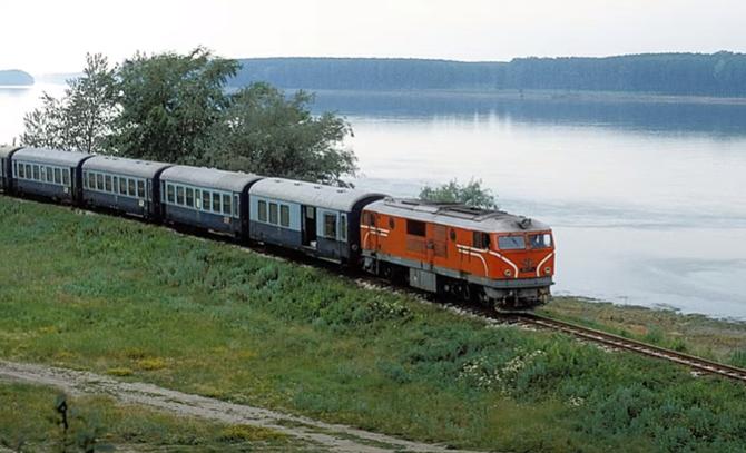 Едно пътуване с  Теснолинейката Червен бряг - Оряхово, заминала за последния си път ВИДЕО