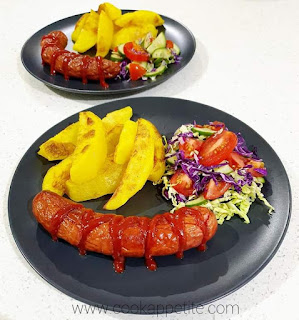 Crispy Baked Potato Wedges , Hungarian Sausage And Salad