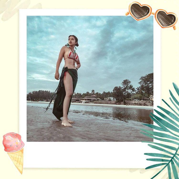 Amala Paul Sizzling Photos