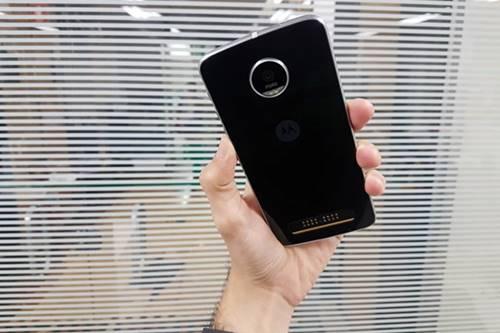 Moto Z Play tem autonomia de bateria por 20h