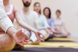 La meditación es un fenómeno multidimensional que puede ser útil en un marco clínico y en una variedad de formas. Está asociada con estados de relajación fisiológica que pueden ser utilizados para aliviar el estrés, la ansiedad y otros síntomas físicos, además de que produce cambios cognitivos que pueden ser aplicados en la autoobservación y el manejo conductual y para la comprensión de los patrones cognitivos limitantes o autodestructivos