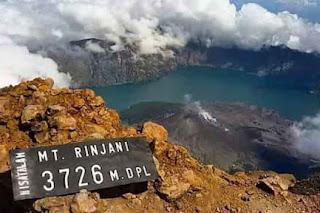 5 Misteri Gunung Rinjani
