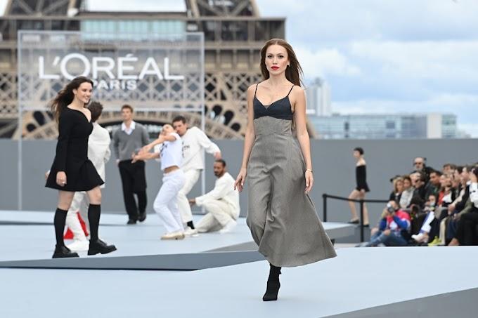 Duygu Özaslan, Paris Fashion Week 'Le Défilé' podyumunda