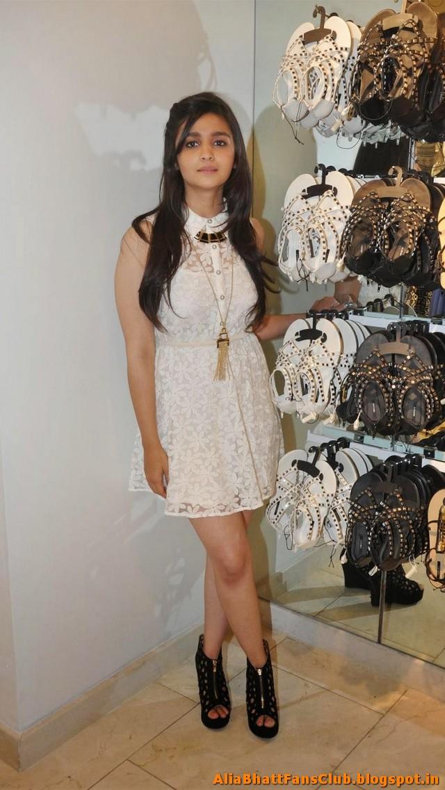 Alia Bhatt Sexy Picture Gallery