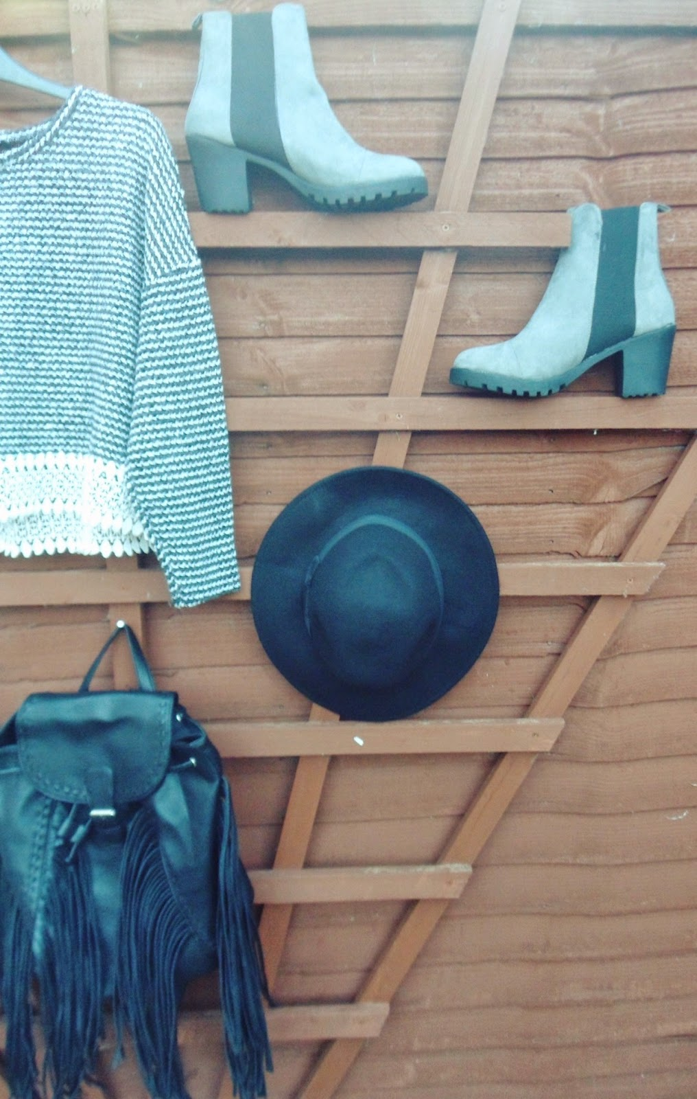 fashion, primarkhaul, fbloggers, fblogger, wiw, whatimwearing, ootd, outfitoftheday, lotd, lookoftheday, primark, highstreet, cleatedheel, boots, stripedjumper, whitedress, fringedbackpack, fedora, shoppinghaul