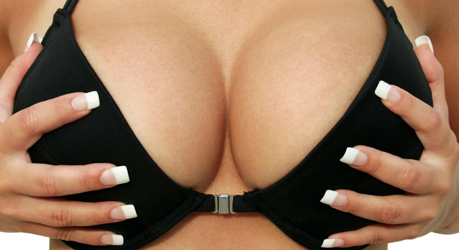 Resultados de plasticidade mal sucedida de um peito
