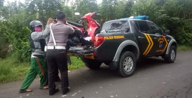Tabrakan Motor di Rembang, Satu Korban Dilarikan ke Rumah Sakit Karena Jari Tangannya Putus