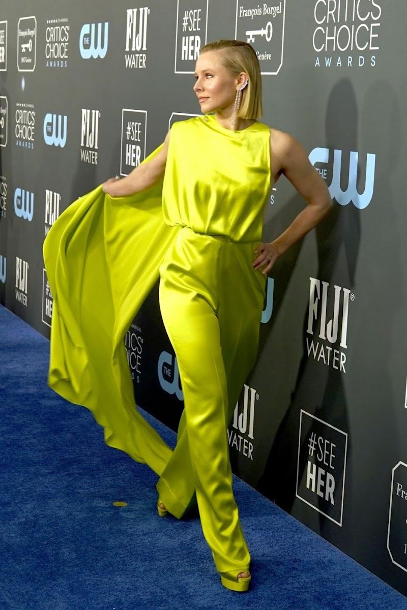 Kristen Bell Clicks at 25th Annual Critics Choice Awards in Santa Monica 12 Jan-2020