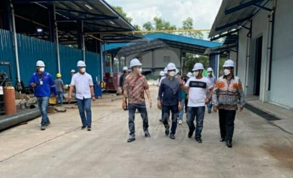 Sambangi Smelter Timah, Bupati Lingga : Saya Sedang Prioritas Pengurusan IPR