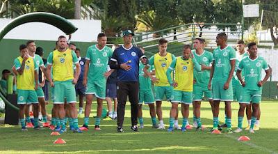 Veja quem são os sete jogadores que ficam sem contrato e quem pode permanecer no Goiás para 2021