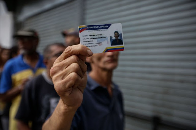 El carnet de la patria consolida el anhelo de control del chavismo
