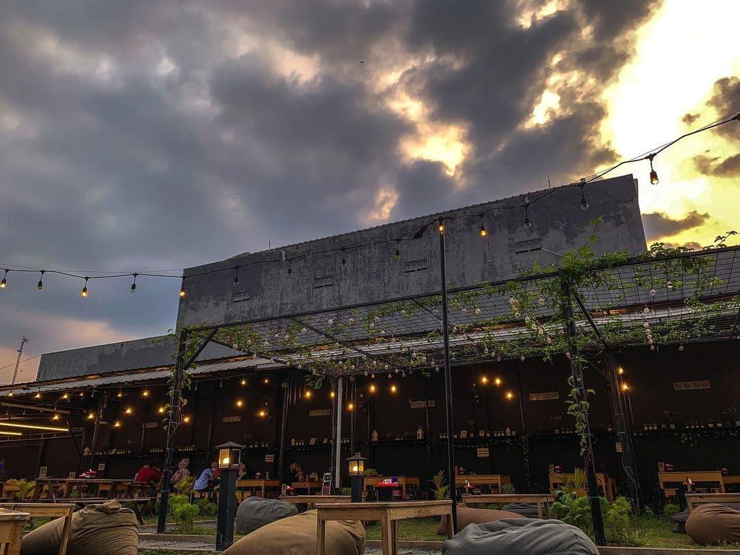 lokasi de cafe serang