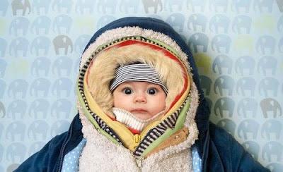 Cách giữ ấm cho trẻ sơ sinh vào mùa đông khi đi ra ngoài