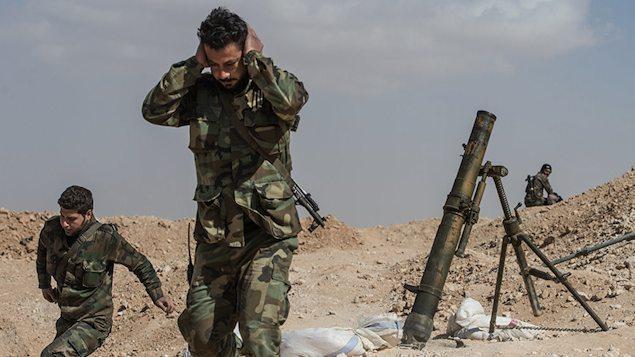 """Os confrontos entre as forças do regime de Damasco e os rebeldes retornaram à cidade síria de Aleppo, após o fim de uma trégua """"humanitária"""" de três dias decretada pela Rússia que não permitiu a retirada de quase nenhum ferido dos bairros cercados"""