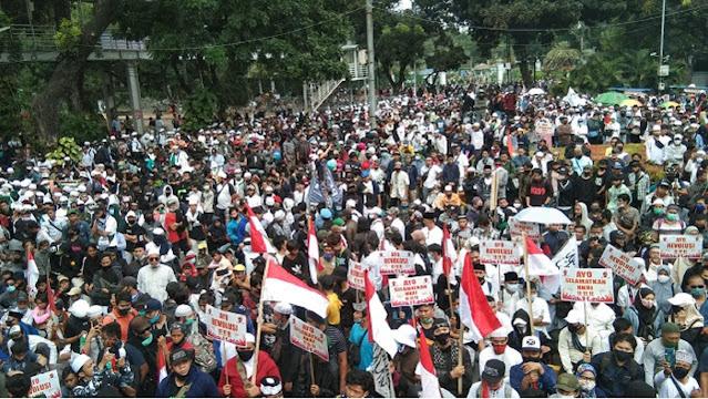 """Gus Nur Tanya Cara Indonesia Berubah? Massa Aksi Jawab """"Lengserkan Jokowi !"""""""