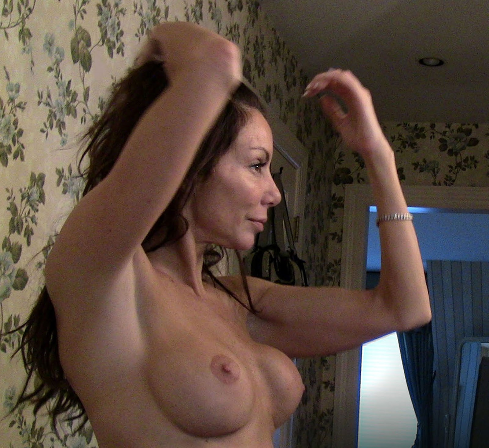 real housewives nude pictures