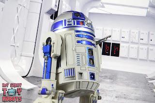 S.H. Figuarts R2-D2 31