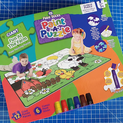 Giant Fun at the farm colouring jigsaw floor puzzle Little Brian