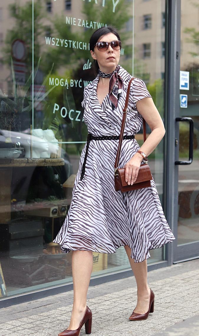 sukienka zwierzęcy print Reserved Mohito