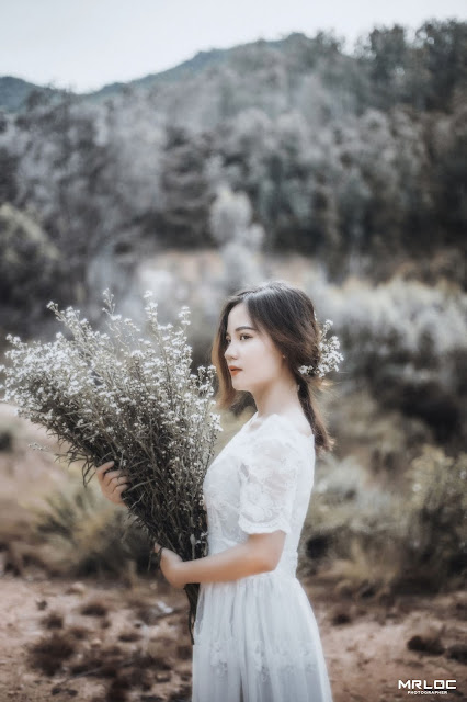 Model Foto Thanh Vinh - Vintage Fashion Of The Woman | Girl And Flower - Female Classical Art
