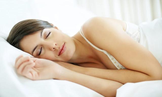 Seu cabelo e sua pele podem ser altamente prejudicados pela má qualidade do seu sono.