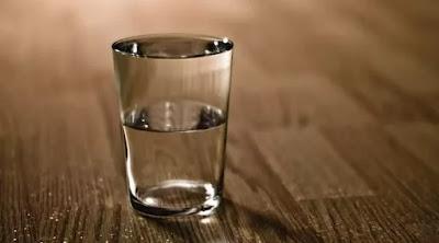 5 Tanda Anda Perlu Minum Lebih Air Putih