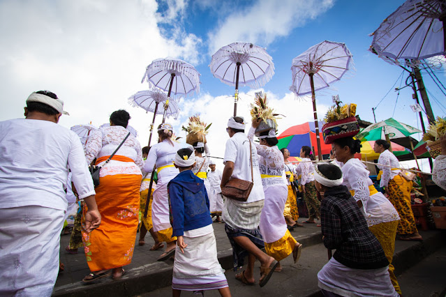 Cerimonia al tempio Pura Besakih-Bali