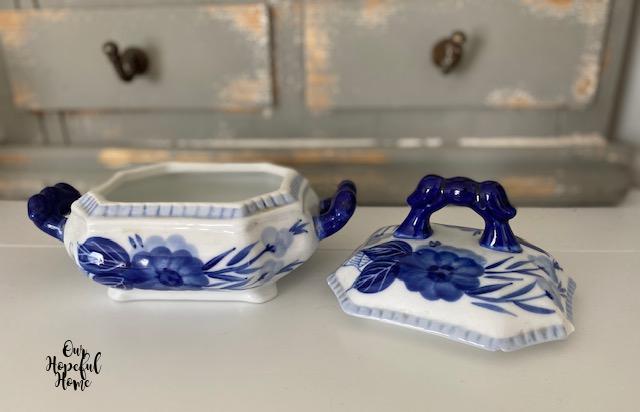 blue handled porcelain tureen lid