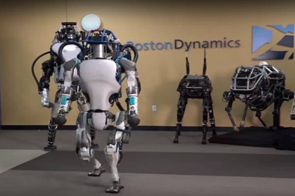 """بالفيديو: بوسطن ديناميكس تكشف عن """"أطلس"""" الروبوت بإمكانيات عالية !"""