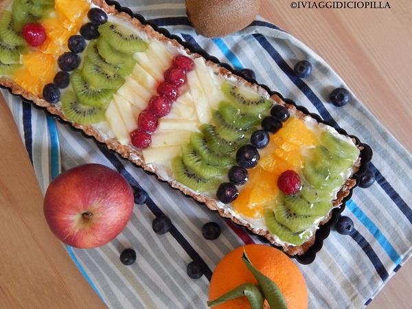 Torta alla crema chantilly e frutta