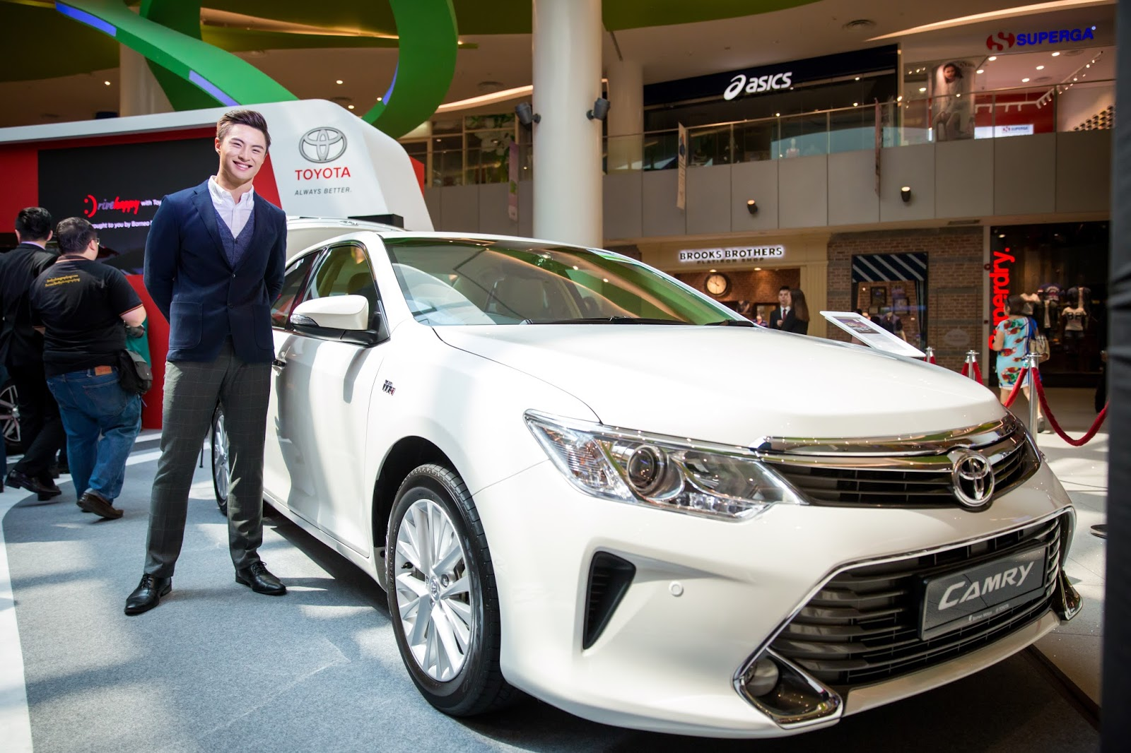 All New Camry Singapore Harga Grand Veloz 1.5 A/t Shaun Owyeong Toyota 39s Fortuner Debuts At Drivehappy With
