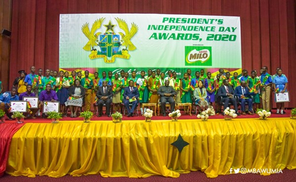 VP Bawumia Presents 2020 Independence Day Awards