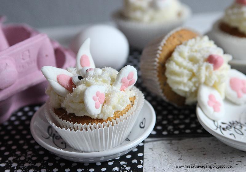 miss von xtravaganz rezept marzipan mohn karotten cupcakes mit kokosfrosting. Black Bedroom Furniture Sets. Home Design Ideas