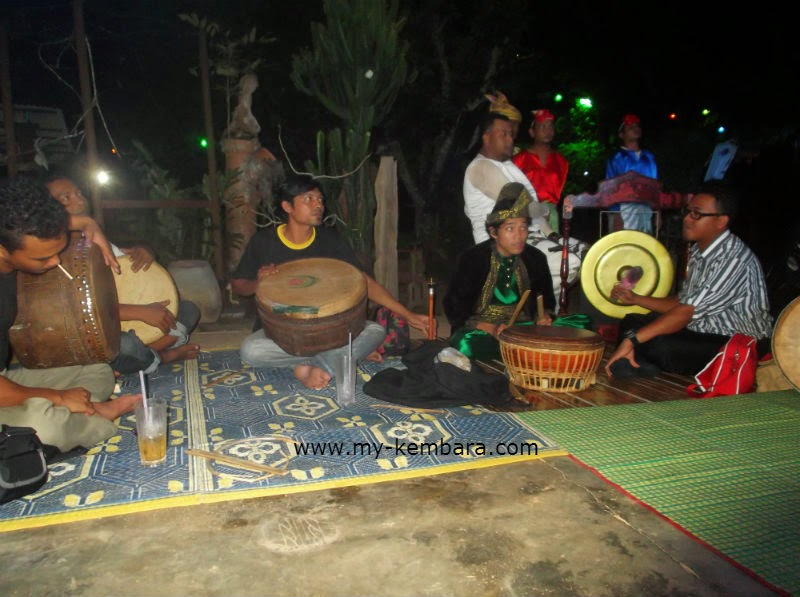 kembara (  as I Travel): Jikey Performance At MADA Pulu