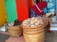 "Kisah Nenek Penjual Bawang yang Menggetarkan Hati ""Netizen"" - Page 5"