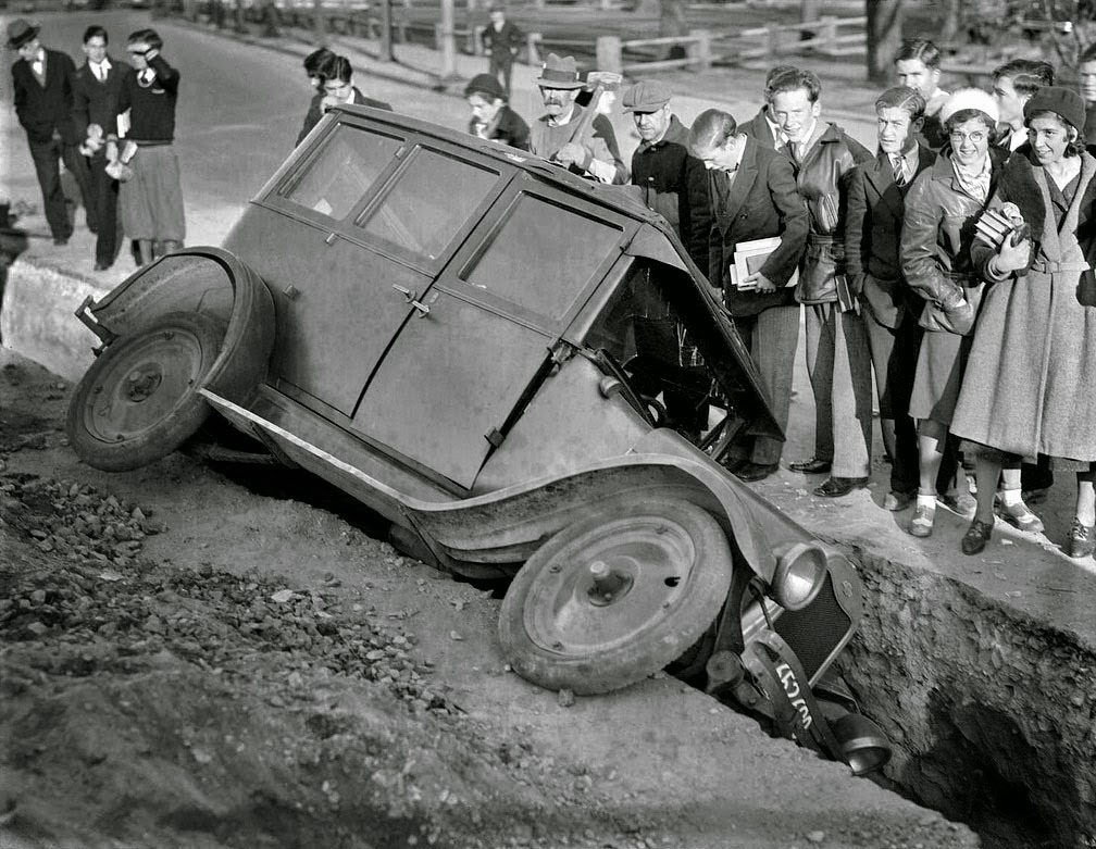 27 Astonishing Vintage Photos of Car Wrecks in Boston in the 1930s